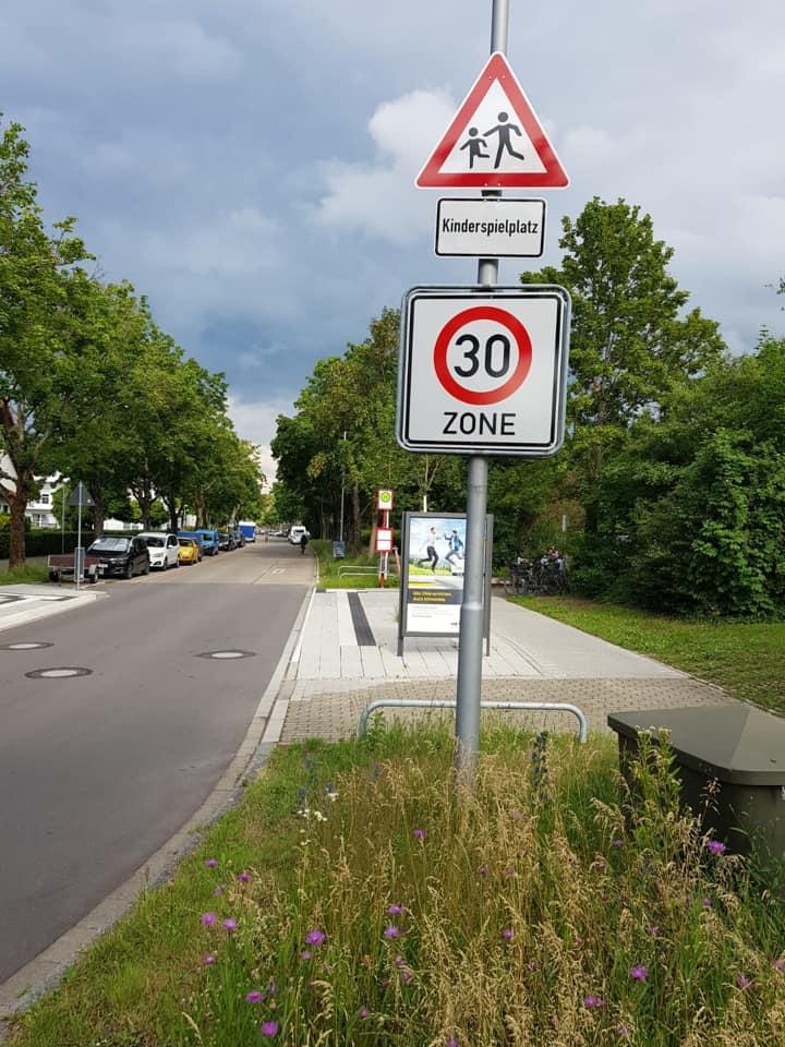 SPD Grötzingen setzt sich für bessere Schutzmaßnahmen in der Grezzostraße auf Höhe des neugestalteten Grezzospielplatzes ein